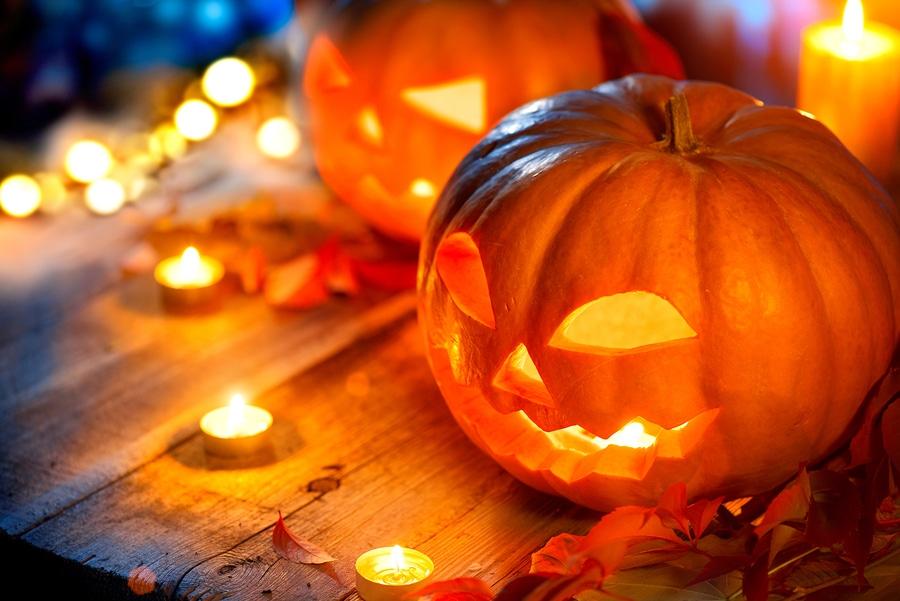 Spooky Dock Decor for Halloween
